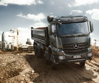 Mercedes-Benz trucks in het bouwtransport